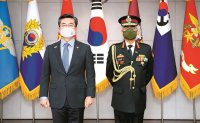 Defense minister meets Indian Army chief