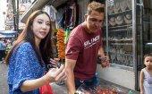 Korean's first-ever Filipino street food tour at QUIAPO MARKET in Manila