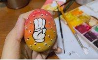 Myanmar protesters take up Easter eggs: junta hunts celebrities