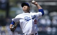 Dodgers' Ryu Hyun-jin felt 'zero pressure' in 1st Opening Day start