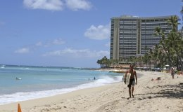 Hawaii to allow travelers to skip quarantine with virus test