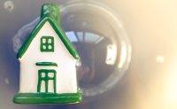 Chief financial regulator warns of housing bubble