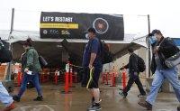 US autoworkers return after lockdown