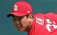 Cardinals' Kim Kwang-hyun tosses 2 shutout innings in relief