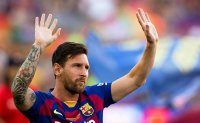 Messi tells Barca he wants to leave, signaling end of era