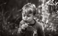 Tech-free childhood captured in photography