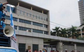 South Korean Embassy in Indonesia shuts down temporarily over virus concerns