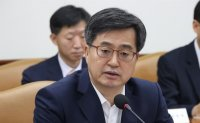 S. Korea to firmly deal with trade protectionism: finance minister
