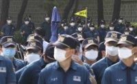 Korea ends mask rationing scheme after 4-month operation