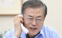 Moon to face tough questions on economy, diplomacy
