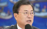 Opposition lashes out at Cheong Wa Dae's reassurance of vaccine readiness