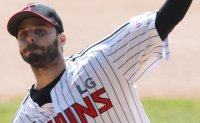 Ex-MLB pitcher Suarez shrugs off high expectations ahead of 1st KBO season