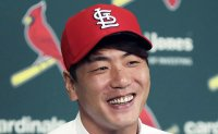 Kim Kwang-hyun ready to take on any role for Cardinals