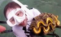 Korean actress charged in Thailand for catching giant clams