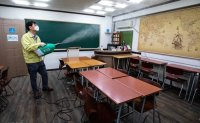 Cram school owners oppose tighter restrictions