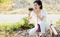 Shim Eun-kyung plays comic relief character in 'Blue Hour'