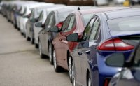 Korea vows to provide 'sufficient liquidity' to auto industry