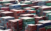 Korea suffers current account deficit in April, first in seven years