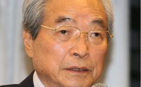Former PM Lee Han-dong dies at 87