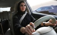 Saudi allows women to travel without male consent