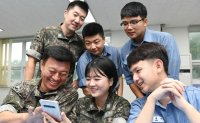 Female service members deserve bigger leadership role