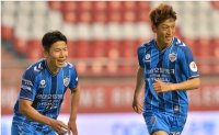 Veteran midfielder Lee leads Ulsan's dominance