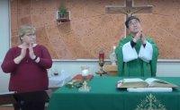 Deaf Korean priest finds warm welcome in US