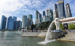 As foreigners leave, Singapore sees population drop for first time since 2003