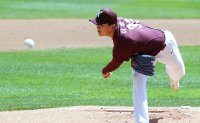 Kiwoom Manager says young pitcher remains work in progress