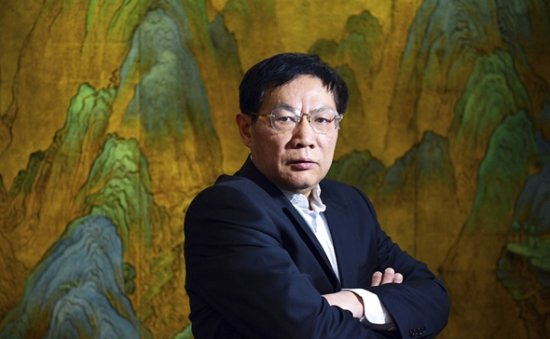 Chinese tycoon who criticized Xi's virus response jailed for 18 years for corruption