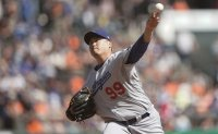 Dodgers' Ryu Hyun-jin gets closer to Cy Young Award with ERA crown