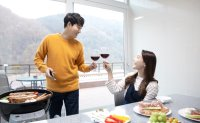 Over half of Koreans in their teens and 20s see no need to have kids after marriage: report