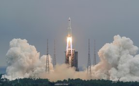 Chinese rocket to tumble back to Earth in uncontrolled re-entry