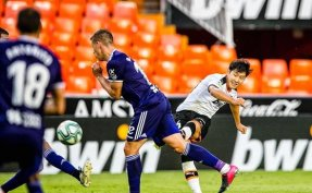 Lee scores late to help Valencia end winless streak in Spain