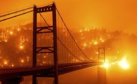 Smog blankets US West Coast as fire deaths keep climbing