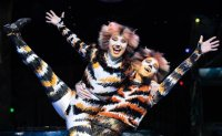 [INTERVIEW] Dominique Hamilton carries on mother's legacy in 'Cats'