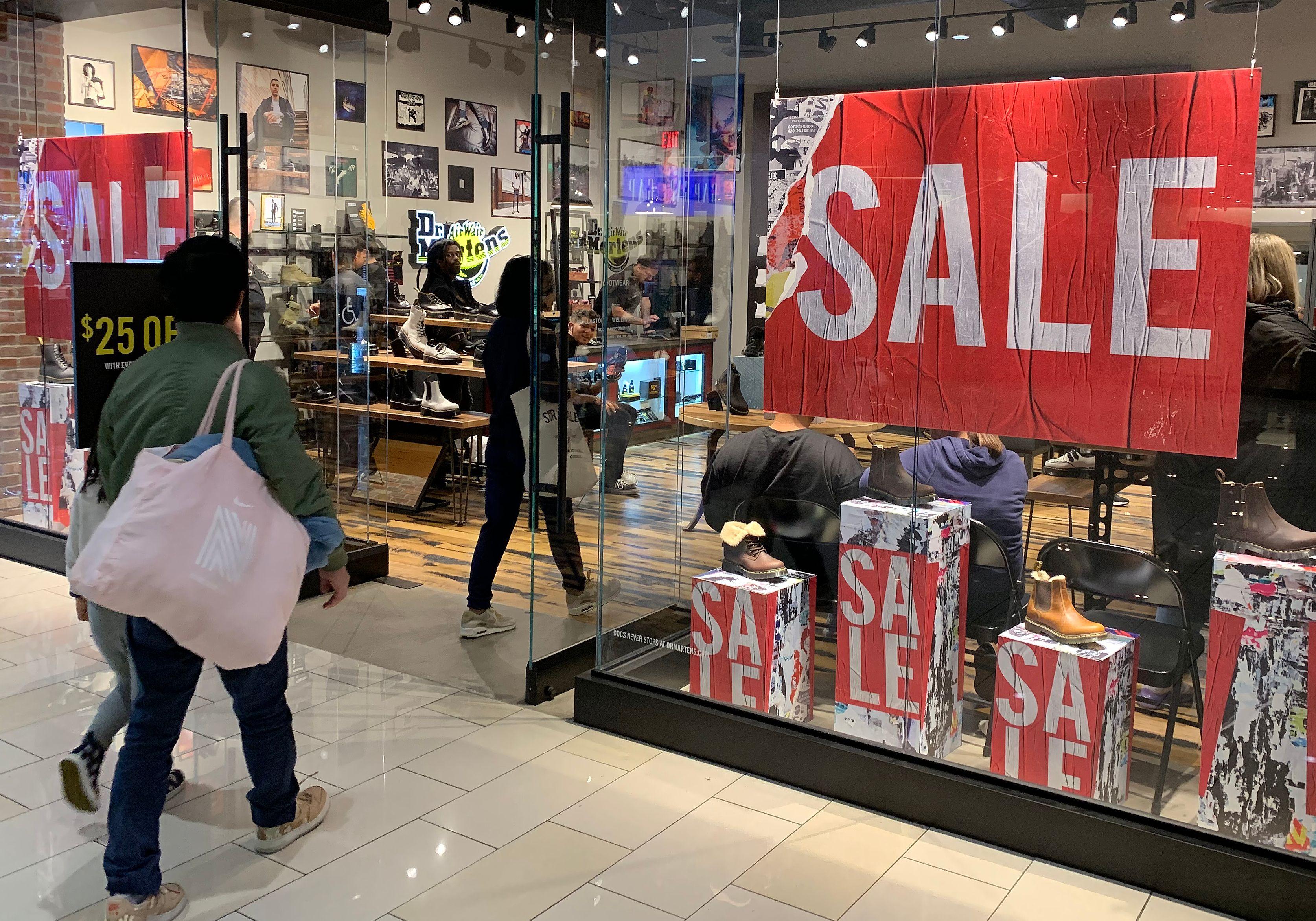 Shorter shopping season means a more intense scramble
