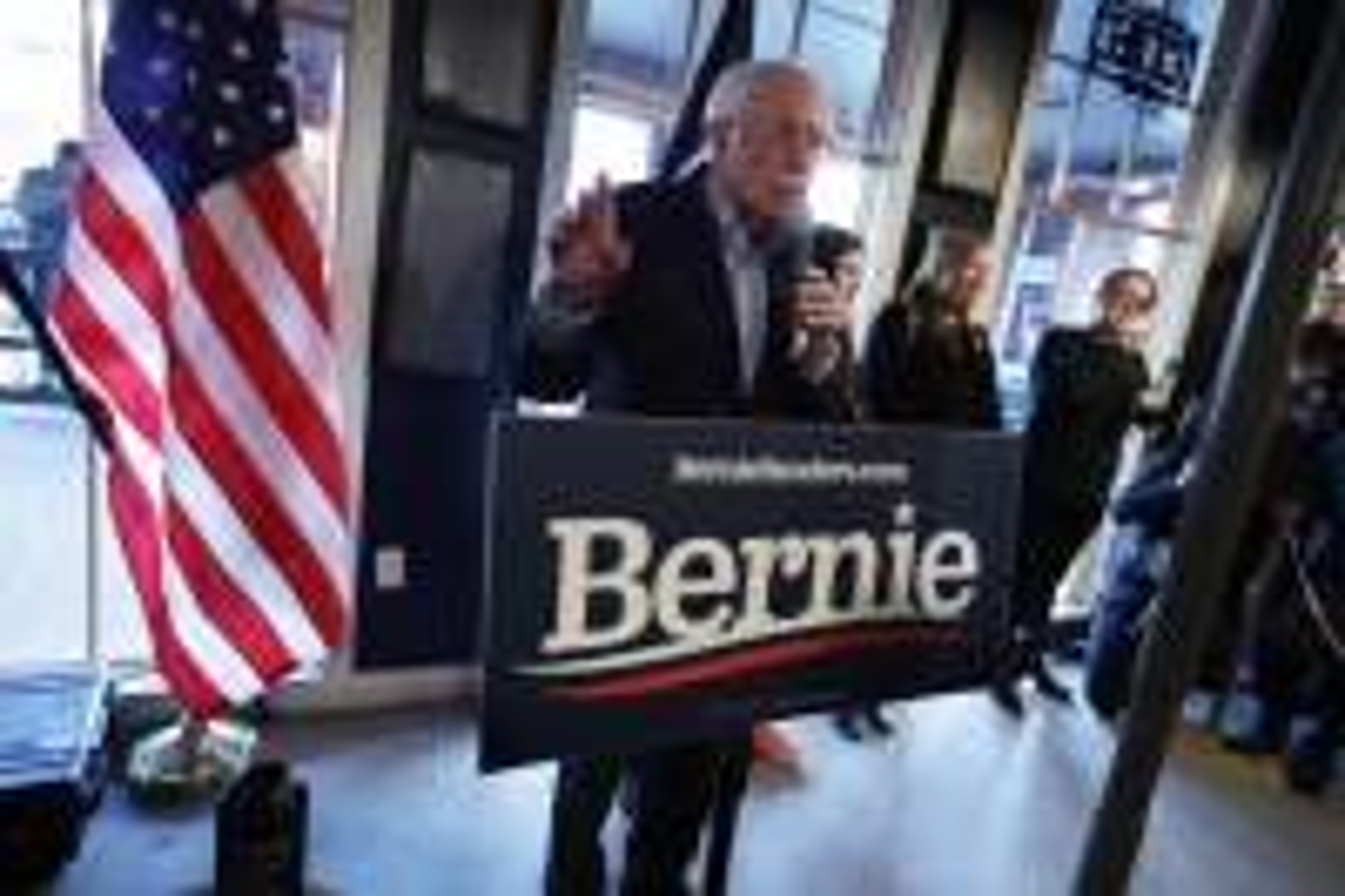 US Democrats make final push ahead of Iowa votes