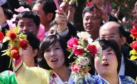 Pyongyang residents welcome South Korean president