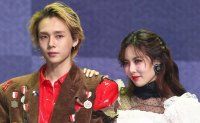 K-pop couple HyunA, DAWN comeback showcase clips