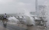 Typhoon Hato hits Hong Kong, kills five