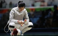Rio 2016: Defending Olympic fencing champ upset in 3rd round