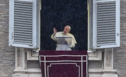 Pope calls for negotiations over Caucasus flare-up