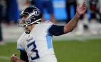 Gostkowski finally delivers in Titans' 16-14 win at Denver