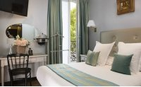 Hotel Plaza Elysees offers Parisian experience
