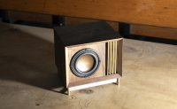 Master mechanical engineer's speaker wears young design