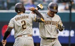 Padres' Kim Ha-seong hits 1st MLB homer in victory