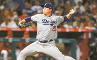 Dodgers' Ryu Hyun-jin gets no-decision vs. Angels as bullpen blows lead