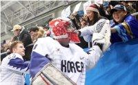 Men's nat'l hockey team at crossroads