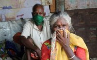 India fights virus as cases cross 1 million